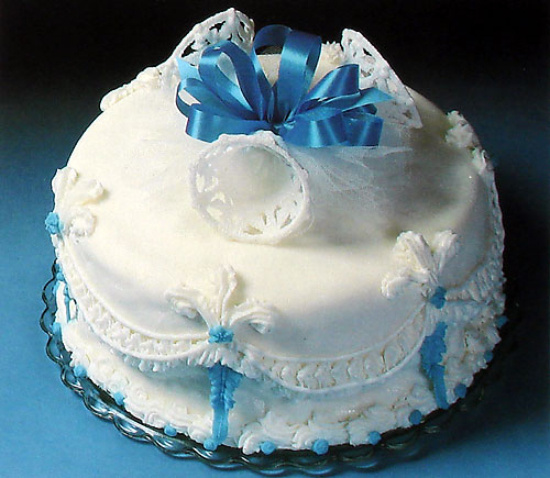 Decorate A Simple Wedding Cake With Recipe