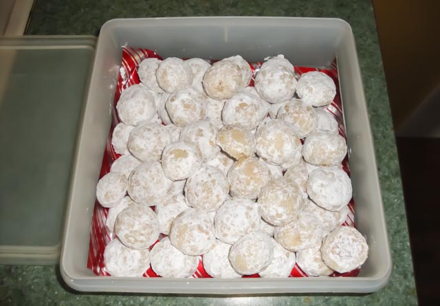 larger picture of my snowball cookies