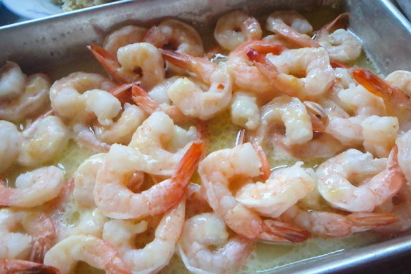 Shrimp in garlic butter sauce